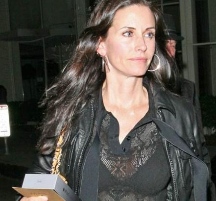 [Image: courteney-cox1.jpg]